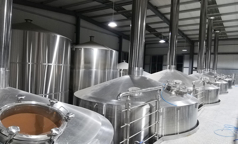 Chinese manufacturer 10KL turnkey comercial Beer making brewing system equipment for sale  ZXF